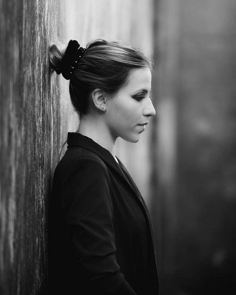Elisabet Lustres. Cantante soprano, pianista y compositora