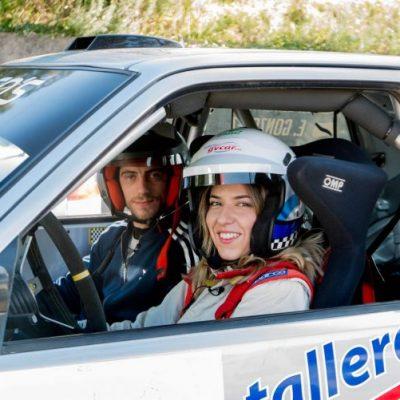 Elisabet Lustres pilotando coche de rally